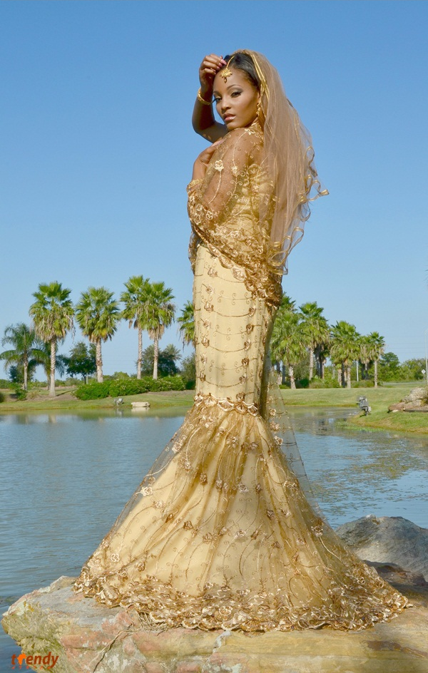 029_Queen-of-the-Brides_2012