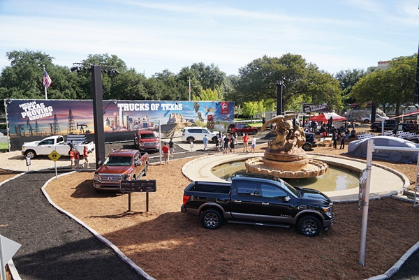 """DALLAS (Sept. 29, 2016) Ð Nissan is returning to the world famous 2016 State Fair of Texas to celebrate America's truck country with free parking for pickup trucks, a meet-and-greet with Heisman Trophy winners, and an opportunity for attendees to take home the """"TITAN of Texas"""" title by competing for the best time on a rugged, TITAN-inspired obstacle course. The State Fair of Texas runs September 30 through October 23 at Fair Park in Dallas."""