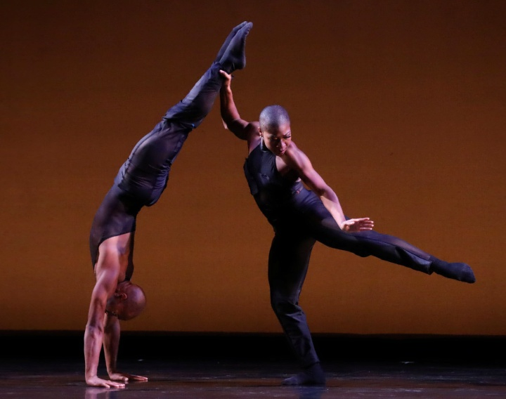 DBDT dancers Xavier Mack and Lailah LaRose dancing in From Within choreographed by Nijawwon Matthews. Photograph by Amitava Sarkar